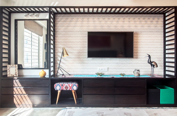 Wall paper backed TV unit design idea