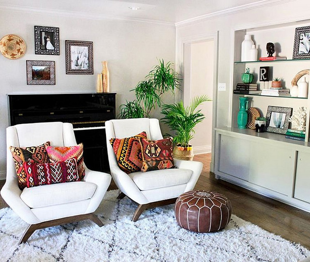 A textile designer's bohemian living room in New Orleans