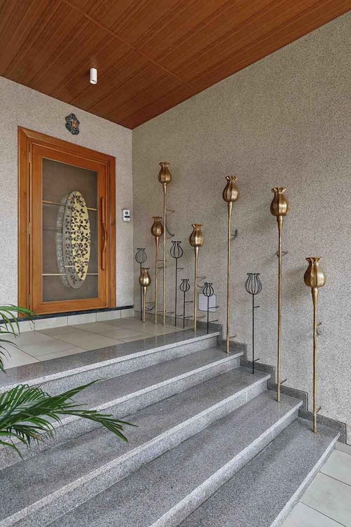 Entrance Otta of an Indian bungalow. Elevation of the house.
