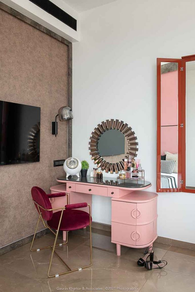 Interiors of a 3 BHK apartment in Mumbai : Daughter's bedroom.